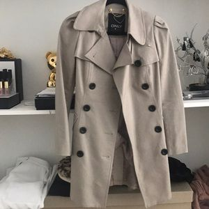 Jackets & Blazers - Tan trench coat gold detail